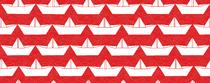 bateau blanc fond rouge